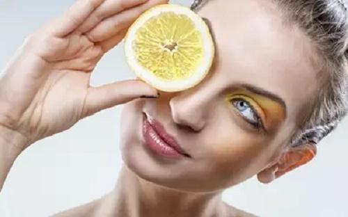 敏感肌可以做果酸焕肤么?会导致皮肤变薄?