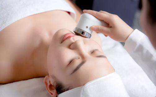 VN皮肤管理一次抗衰效果肉眼可见,V脸美白的秘密